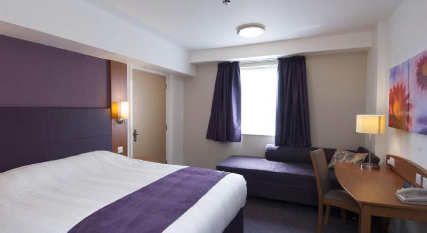Premier Inn (Cheadle)