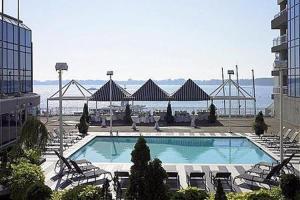external image of Radisson Admiral Hotel - Toron...