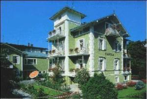 external image of Hotel Carola