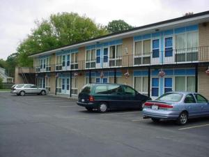 external image of Chipican Motel Sarnia