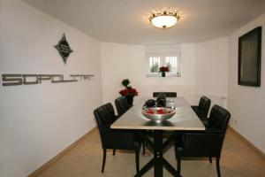 external image of Sopolitan Suites