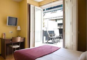 external image of Astoria Hostel