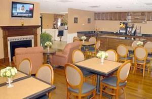 Restaurant Image ofThe Promenade - A Historic Savannah Hotel