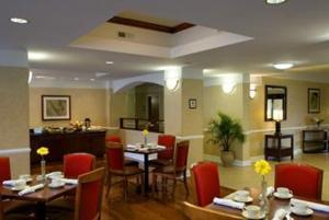 Restaurant Image ofFour Points by Sheraton Savannah Airport