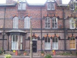 Lilies Guest House - Bed And Breakfast, Liverpool