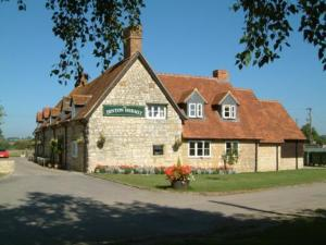 Dinton Hermit Hotel