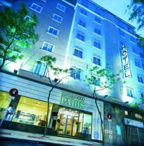 external image of Hotel París