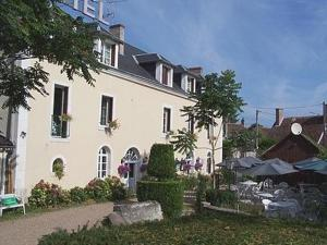 photo de Logis Hostellerie Du Moulin De La Renne