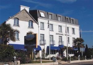 photo de Logis Armoric Hotel