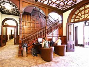 Palmers Lodge Hostel