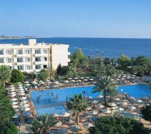 external image of Louis Phaethon Beach Hotel