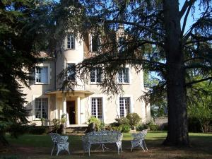 picture of Chateau La Roussille
