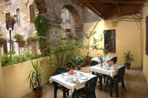 external image of Hotel Umbria