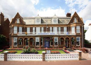 Photo of Furzedown Hotel