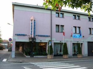 external image of Hotel Borgo Lecco