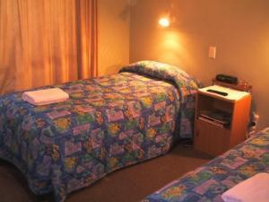 External Image ofHighway Inn