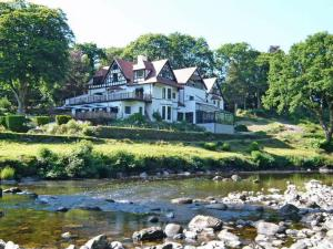 Photo of Craig-y-Dderwen Riverside Hotel