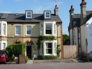 Photo of Lynwood House