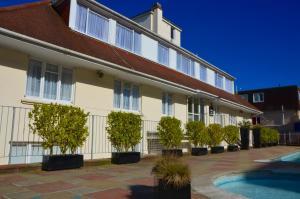 Photo of Riviera Holiday Apartments