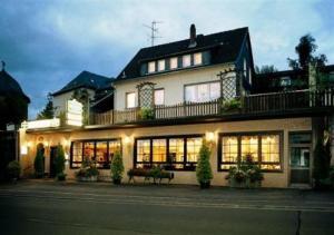 external image of Hotel Restaurant Zum Felsenkel...