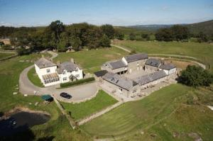 Holwell Farm Cottages Hotel