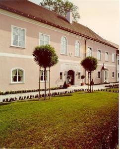 external image of Hotel Schloß Schönbrunn