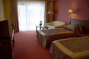 Room Image  5ofMistral