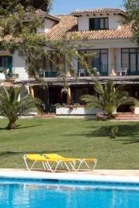 external image of Hotel Artola Golf