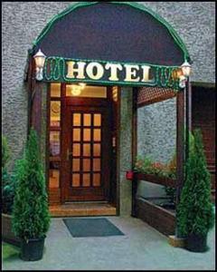 external image of Hotel Adam