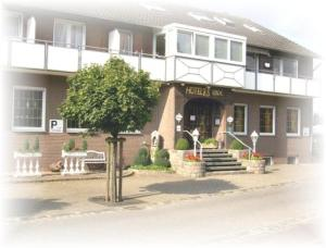 external image of Hotel Rave