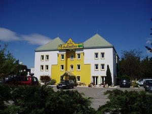 external image of Hôtel Balladins Montpellier -...