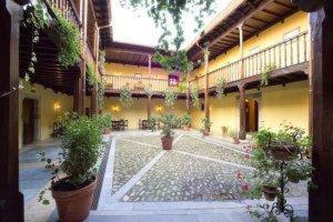 external image of Castillo De Valdés Salas