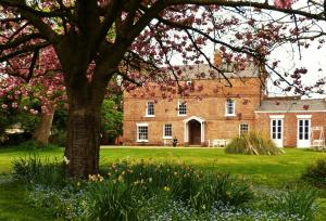 Photo of Little Mollington Hall