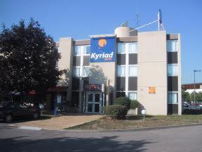 external image of Kyriad Lyon Vaulx-En-Velin