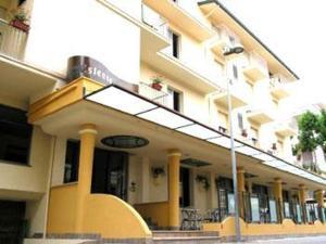 external image of Hotel Estense