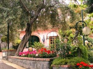 external image of Hotel Villa Sirina
