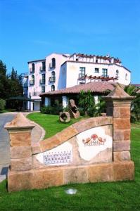 external image of Hotel Poseidonia