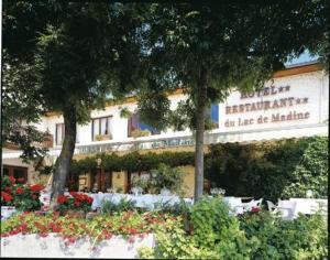 external image of Hôtel Restaurant Du Lac De Ma...