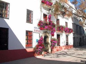 external image of Hostal El Castillo