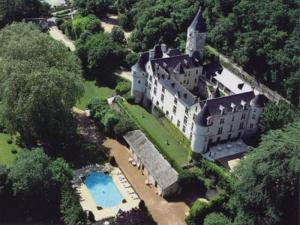 external image of Chateau De Chissay