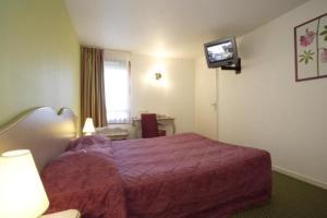 Room Image  1ofKyriad Hotel Blois Sud