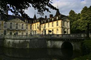 external image of Château D'Ermenonville