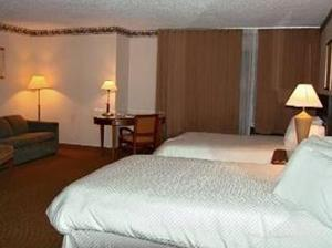 Room Image  1ofMetropolitan Hilton Head Hotel