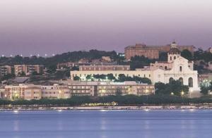 external image of Hotel Mediterraneo