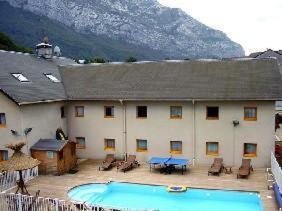 external image of Hôtel Balladins Grenoble/Sain...