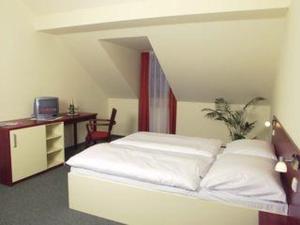 Room Image  3ofHotel Ochsendorf