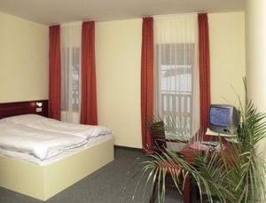 Room Image  1ofHotel Ochsendorf