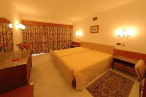 external image of Hotel Apartamento Algar