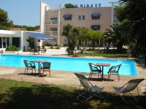 external image of Le Mirage
