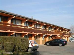 external image of Hôtel Grill du Coudray Montce...